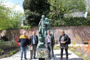 RO250th ceremony at Statue